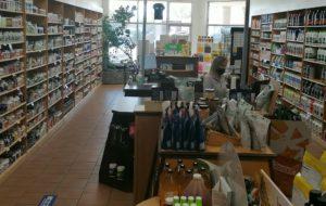Français et convivialité à la boutique Pure Nature